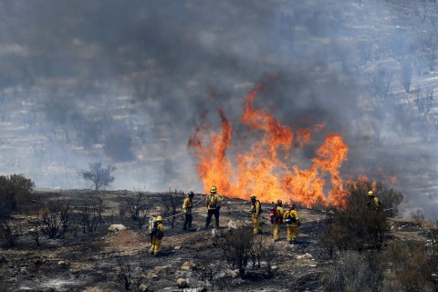 Dry, Windy Conditions Fan California Wildfire