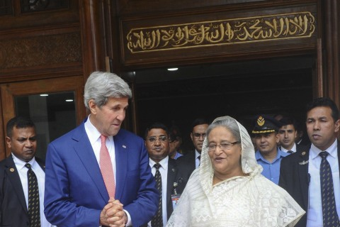 Kerry Urges Bangladesh to Step Up Efforts Against Terrorism
