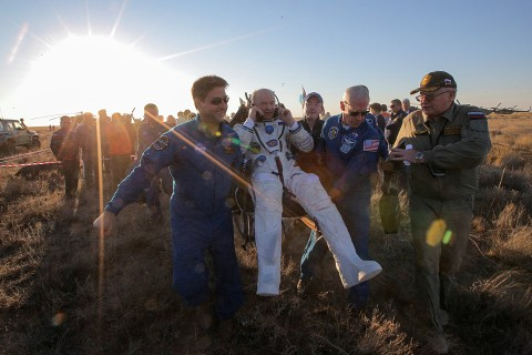 Record-Breaking Astronaut Jeff Williams Returns to Earth