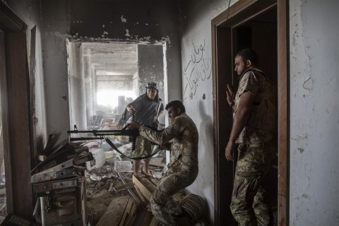 Libyan Forces Surround ISIS in Former Stronghold