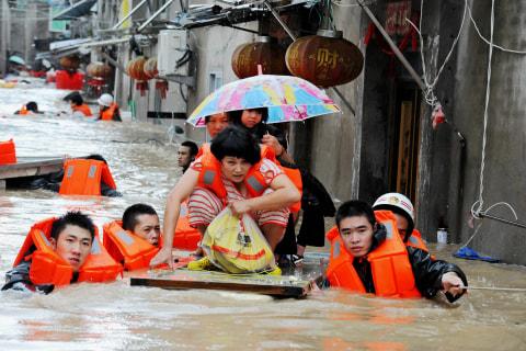 Deadly Typhoon Megi Blows Through Taiwan and China