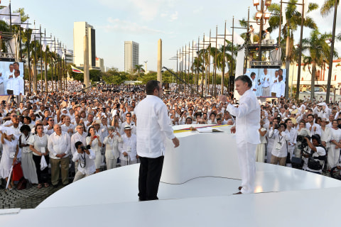 Colombia May Receive Nobel Peace Prize, Pope Visit for Ending War