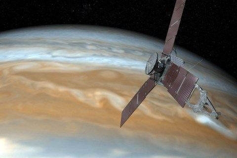 Jupiter Spacecraft Detects Problem, Turns Off Camera