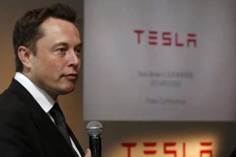 A Driverless Tesla Will Travel From L.A. to NYC by 2017, Says Musk