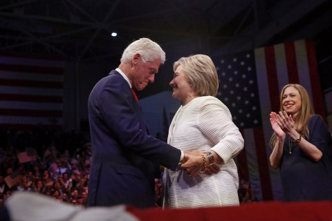 Hacked Memo Reinforces Worst Perception of the Clintons