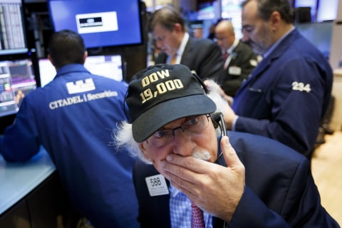 Dow Closes Above 19,000 as Stocks Notch Record Closing Highs