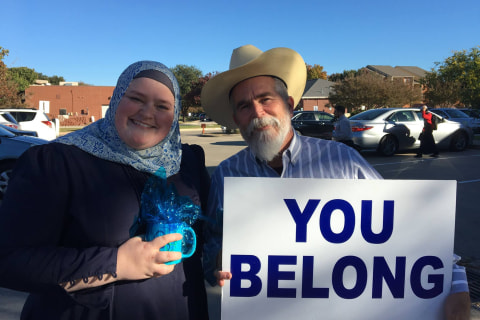 'You Belong': Texas Man Offers Heart-Warming Message to Local Muslims