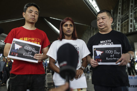 MH370 Relatives Travel to Madagascar Seeking Help in Finding Plane Debris