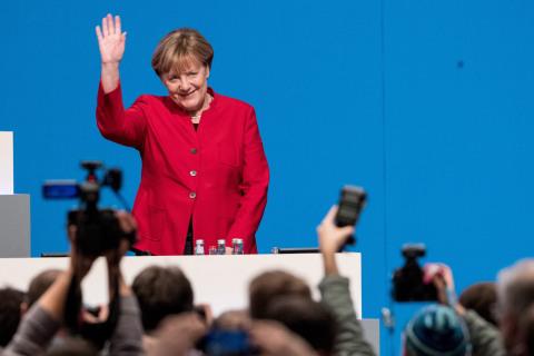 Angela Merkel Calls for Ban of Full Facial Veiling