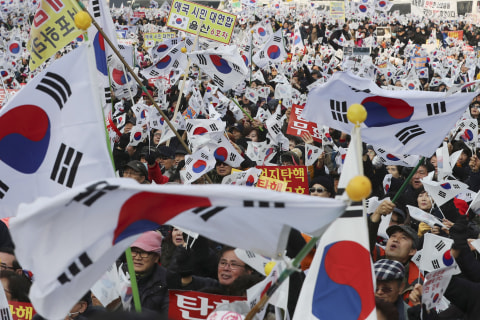 South Koreans Demand Impeached Park's Removal in New Year's Eve Protest