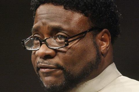 Eddie Long, Megachurch Pastor Embroiled in Scandal, Dies