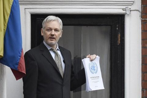 Assange Says He'll Go to U.S., but Still Faces Sweden Rape Case
