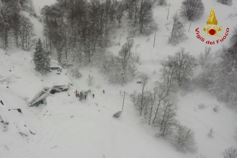 Italy Avalanche: Six People Found Alive Inside Buried Hotel