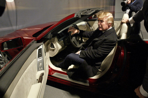 Trump to Meet with Detroit Auto CEOs Over Cars from Mexico