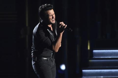 Luke Bryan Will Sing National Anthem at Super Bowl 51