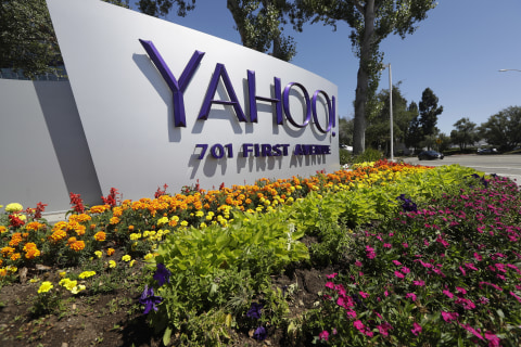 Yahoo Issues Another Warning in Fallout From Hacking Attacks