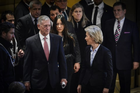 Defense Secretary Mattis Has No Issues With Press, Unlike Trump