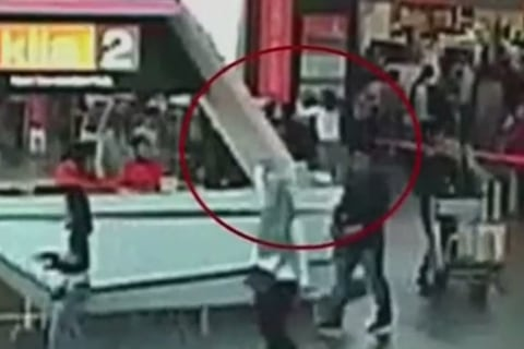 Kim Jong Nam Murder: Video Shows Moment Kim Jong Un's Brother is Attacked