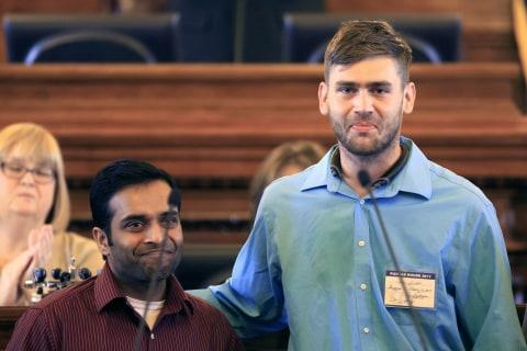 Man Hurt Intervening in Kansas Bar Shooting Receives $100,000 from Indian-American Charity