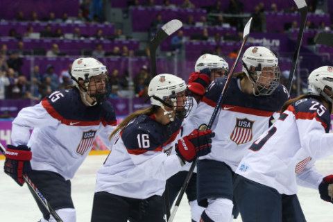 U.S. Senators Speak Up as USA Women's Hockey Continues Boycott