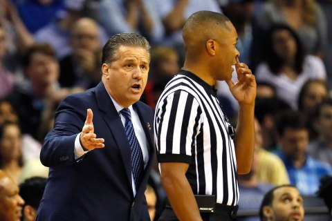 Kentucky Fans Ruin Ref's Business With Negative Facebook Reviews