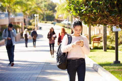 College Students Now Receiving Text Message Reminders to Show Up