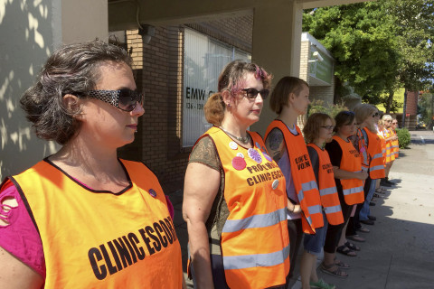 Abortion Fight Rages in Kentucky, Where Only 1 Clinic Remains