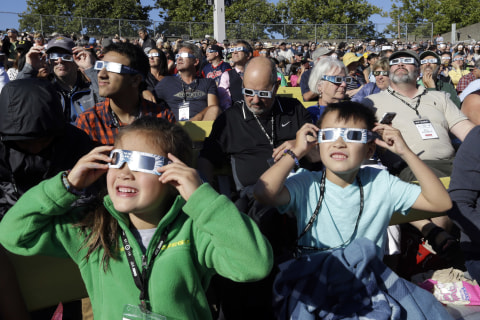 Solar Eclipse Chasers Crowd Oregon for Countdown to Totality