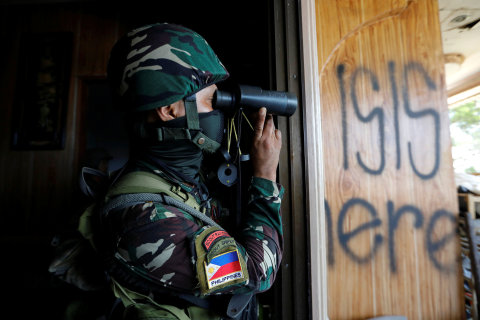 ISIS Recruits Fighters for the Philippines Instead of Syria
