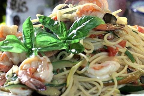 Make Lidia Bastianich's Delicious Pasta Primavera in 10 Minutes