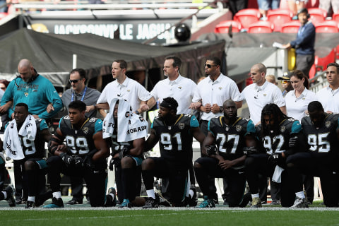 Trump 'Kneel' Attack Gives His Base Reason to Stand