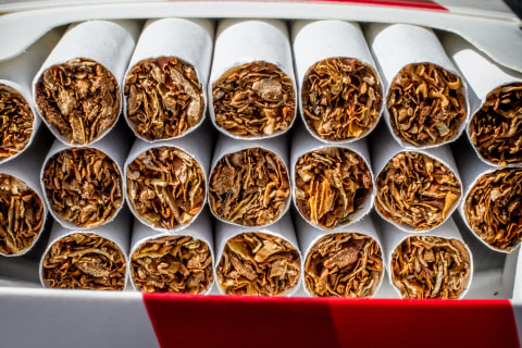 FDA moves to lower nicotine in cigarettes