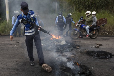 In Honduras, a tense time as elections put democracy through the test