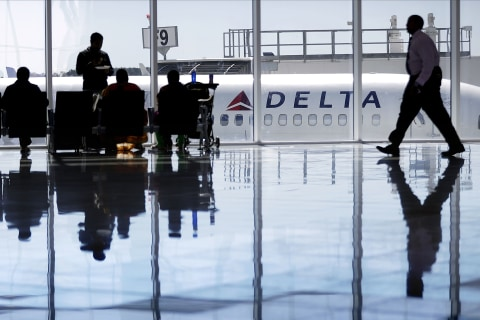 Delta sets new guidelines on service animals allowed on board