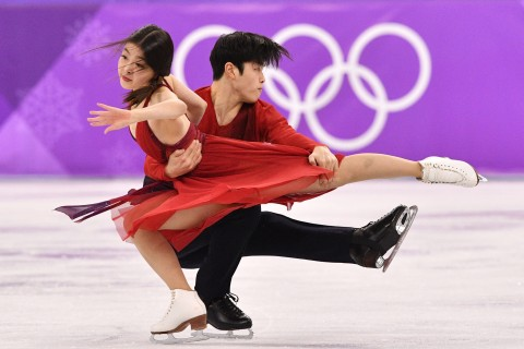 Olympic Moments: Shib Sibs claim ice dancing bronze medal