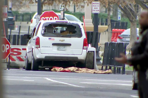 White House locked down after vehicle hits security barrier