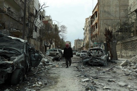 Syrian troops launch ground offensive despite U.N. demand for cease-fire, witnesses say