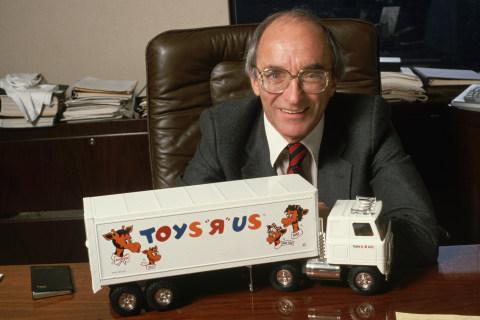 Toys R Us founder Charles Lazarus dies days after chain's announced shutdown