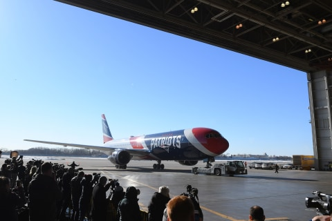 Patriots loan team plane to Parkland students for D.C. trip