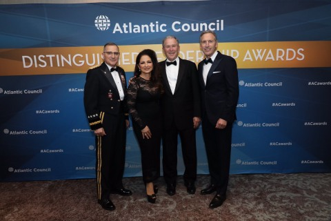 'The embodiment of the American Dream': Gloria Estefan honored with Atlantic Council award