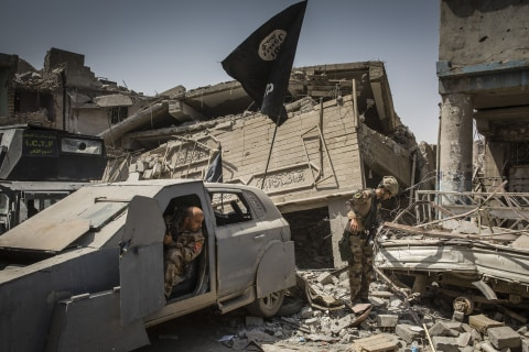 Islamic State commanders captured in sting operation, Iraq says