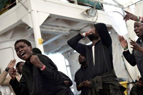 Rescue ships dock in Spain as migrant debate roils Europe