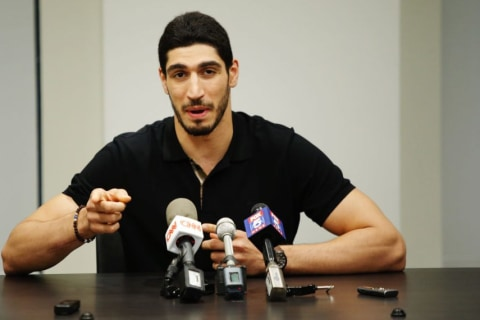 Father of Knicks star sentenced to 15 years in jail in dispute with Turkey