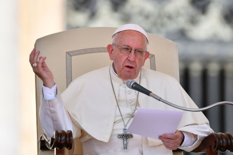 Pope Francis, British PM May join growing criticism of Trump's border separation policy