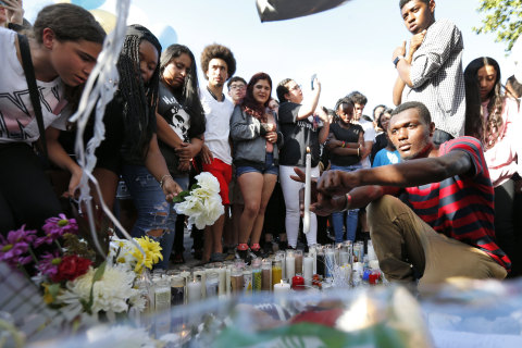 As fans mourn rapper XXXTentacion's death, police search for his killer