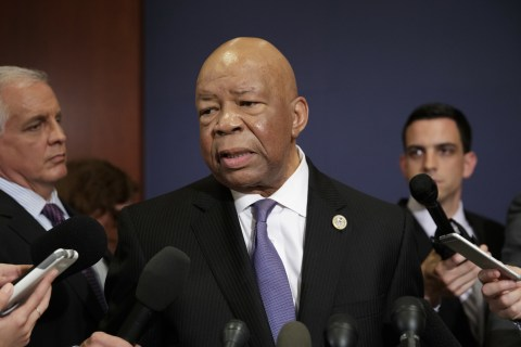 Cummings says new evidence shows Trump attorneys may have misled ethics officials