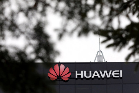 U.S. pauses some restrictions on China's Huawei to keep networks operating