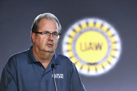 FBI raids home of UAW president as bribery probe expands