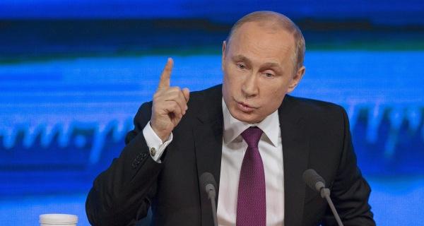 Vladimir Putin Vows That Russian Bear Won't Become 'Stuffed Animal'