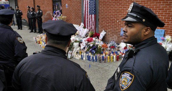 NYC Mayor de Blasio: 'Put Aside Protests' Until Slain Cops Are Buried